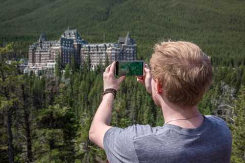Banff: Sightseeing and Wildlife Minibus Tour