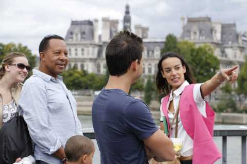Paris: Full-Day Customized Private Walking Tour with a Local