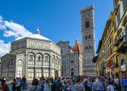 Florenz: Historischer Ausblick auf den Domplatz