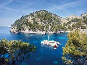 Mallorca: Katamaranfahrt an der Nordostküste mit Mittagessen