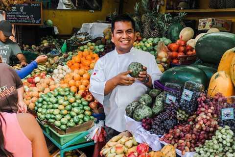 Lima: Clase de cocina peruana con tour de mercado, frutas exóticas.