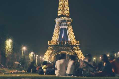 Cruzeiro Noturno no Rio Sena e Excursão Torre Eiffel