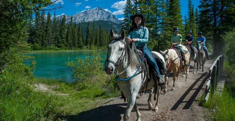Banff National Park: 1-Hour Bow River Horseback Ride