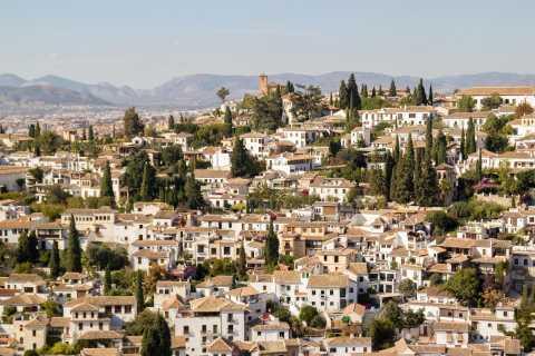 Granada: UNESCO Heritage Neighborhoods Tour with Guide
