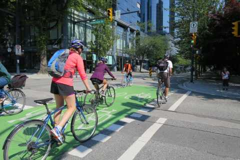 Vancouver: Stanley Park & Downtown Guided Bike Tour