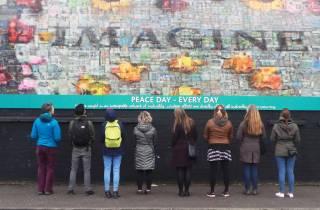 Belfast: Politische Wandgemälde, Street Art und Peace Gate