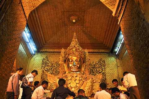 Mandalay: Full-Day Guided Excursion