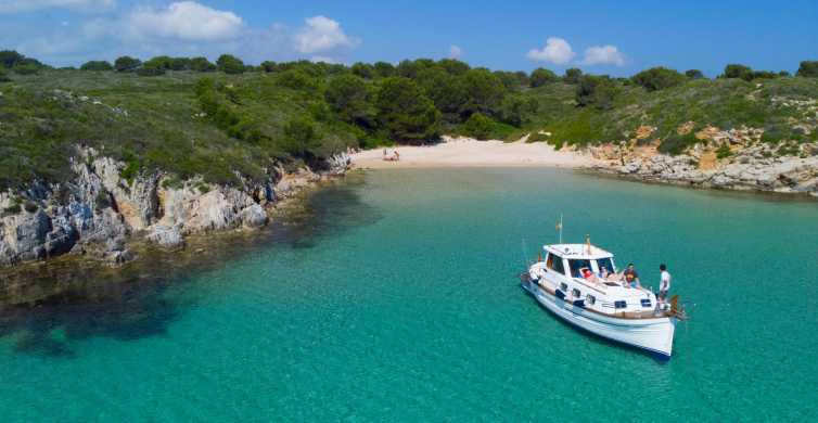 Menorca: Boat Tour on a Luxury Yacht with Local Appetizers