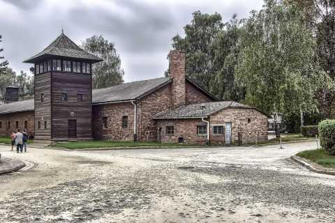 Krakow: Auschwitz Birkenau Museum Guided Tour with Pickup