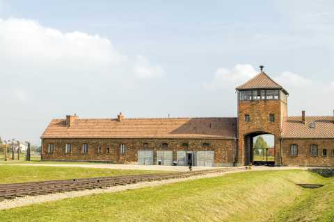 From Krakow: Auschwitz Birkenau Guided Tour with Pick-up