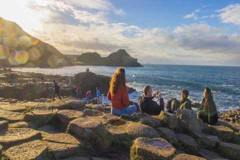 Belfast: Giant's Causeway and 2-Day Hop-On Hop-Off City Tour