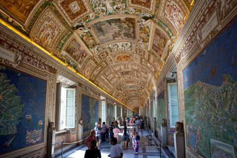 Rome: Vatican and Sistine Chapel Tour with VIP Entrance
