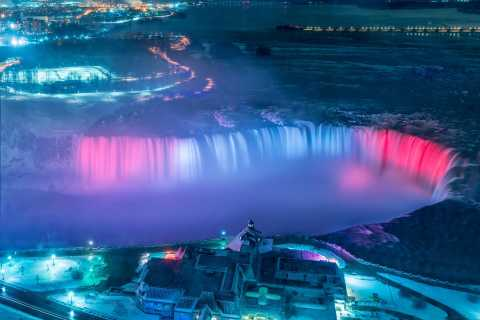 Niagara Falls, Canada: Evening Lights Bus Tour from Toronto