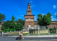 Private Führung durch die Burg Sforza, die Triennale und den Branca-Turm