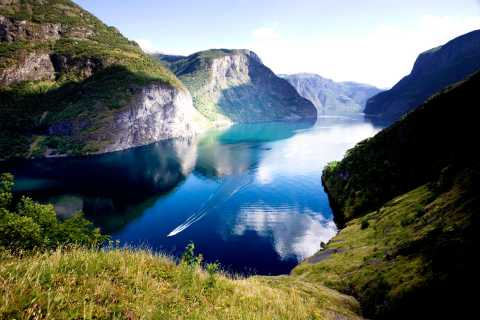 From Bergen: Private Tour to Sognefjord, Gudvangen, & Flåm