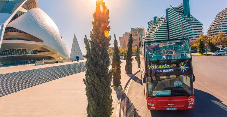 Valencia: 48-Hour Hop-On-Hop-Off Bus & Oceanogràfic Ticket