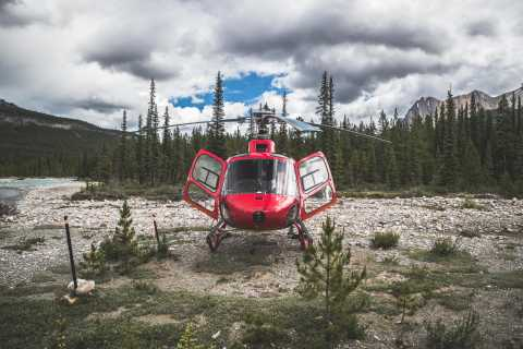 Canadian Rockies: Helicopter Flight with Exploration Hike