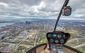 Toronto: City Sightseeing Helicopter Tour