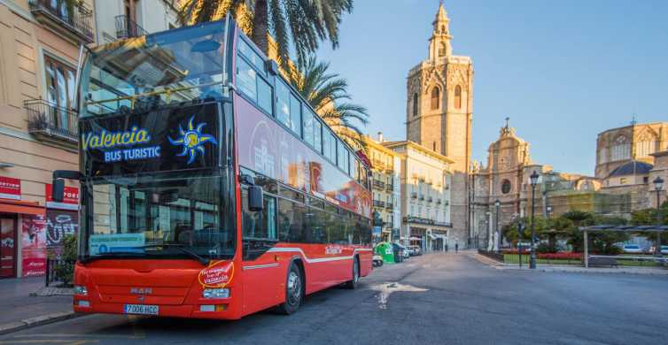 Valencia: 48 hour Hop-On-Hop-Off Bus and Bioparc