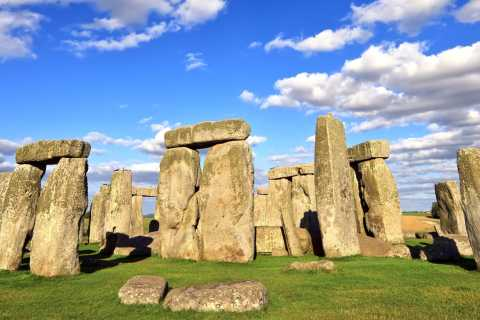 London: Windsor Castle, Stonehenge & Bath Full-Day Tour