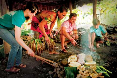 Oahu: Admission to Polynesian Cultural Center with Dinner
