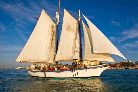 Camden: Sunset Sailing Cruise Aboard Appledore II