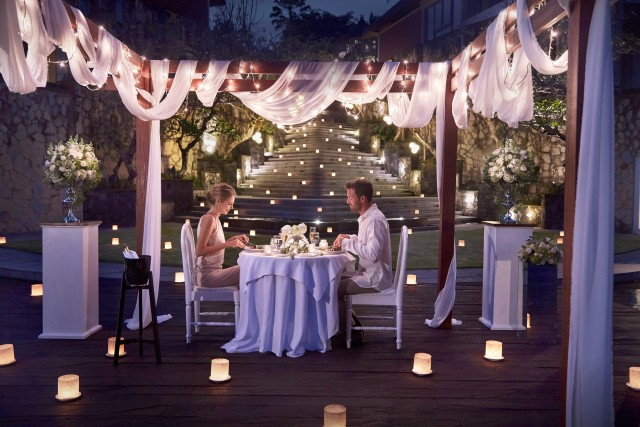 Ubud: Romantic 6-Course Candlelight Dinner in Ubud Valley