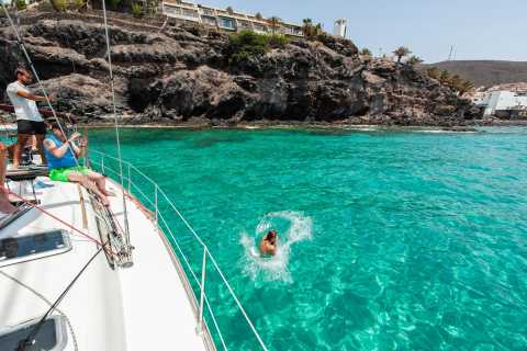 Fuerteventura: Sailing with Snorkeling and Dolphin Watching