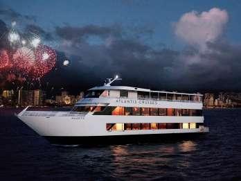 Oahu: Dinner-Bootsfahrt am Freitagabend mit Feuerwerk