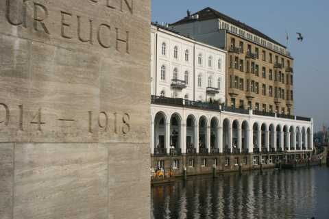 Hamburg: Guided Walking Tour