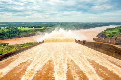 From Puerto Iguazu: Itaipu Dam Tour with Entrance Ticket