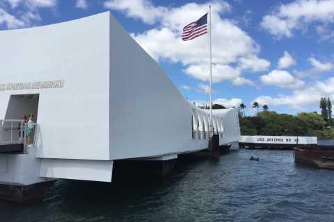 Pearl Harbor y USS Arizona Memorial Tour + City & Punchbowl