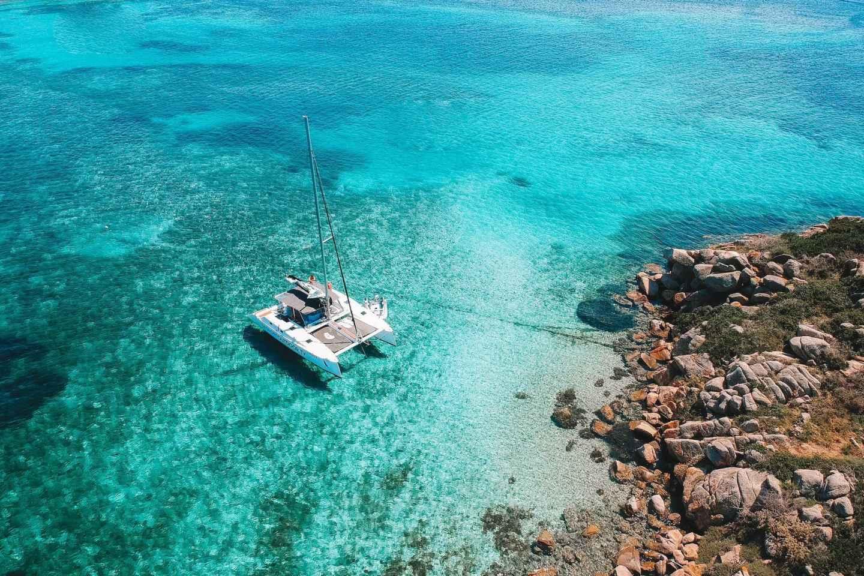 Ab Palau: Katamaran-Tour La Maddalena Archipel