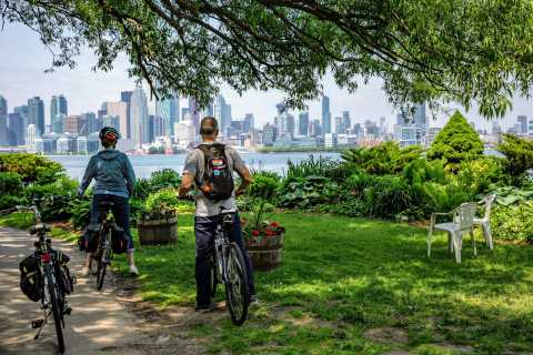Toronto: Scenic 3-Hour Guided Bicycle Tour