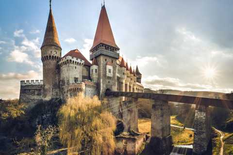 From Cluj: Day Trip to Corvin Castle and Alba Carolina
