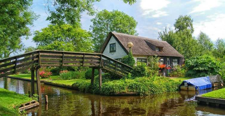 Giethoorn Sightseeing Tour from Amsterdam