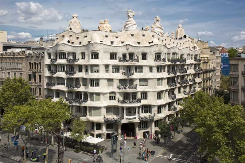 Casa Milà La Pedrera Skip The Line Ticket Audio Guide Getyourguide