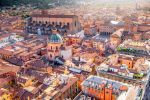 Bologna: City Center Walking Tour