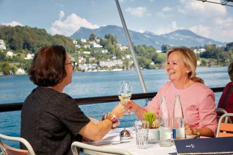 Lucerne: 2-Hour Gourmet Lunch Cruise on Lake Lucerne