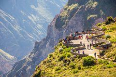 De Arequipa: 2 Dias ao Vale do Colca com Translado para Puno