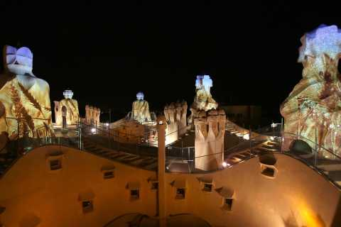 Barcelona: La Pedrera Night Experience and Dinner