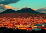Ab Neapel: Private ganztägige Pompeji und Amalfiküste Tour