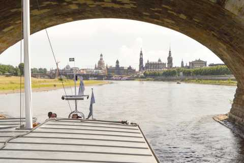 Dresden: 1-Hour Paddle Steamer Cruise with Canaletto-View