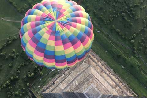 From Mexico City: Hot Air Balloon & Bike Tour in Teotihuacan