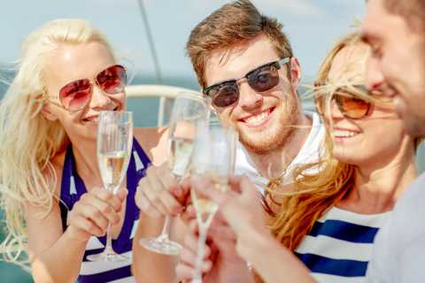 Los Angeles Champagne Brunch Cruise from Marina Del Rey