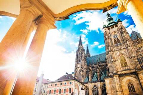 Prague Castle: 1-Hour Introduction with Admission Ticket