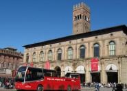 """Bologna: """"Red Bus""""-Rundfahrt und Verkostung lokaler Gerichte"""