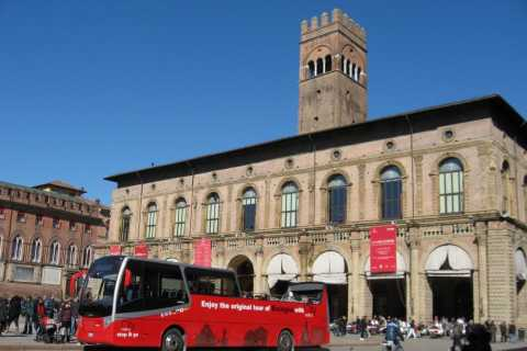 Bologna: Red Bus City Tour and Local Food Tasting