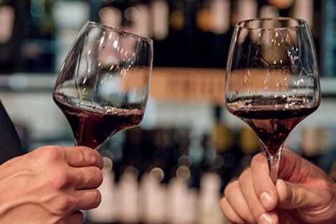 Bologna: Wine Tasting Tour in One of the Oldest Inns