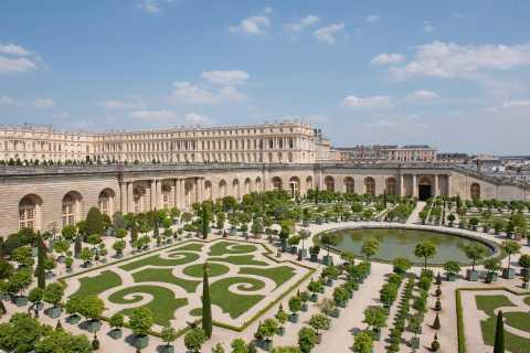 Château de Versailles: The Musical Fountains Show